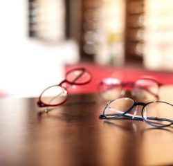Brillen, Marken- und Designerbrillen und Sonnenbrillen bei Oprik Oeffner in Hamburg kaufen